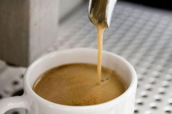 La historia de la máquina espresso - Cafeymas